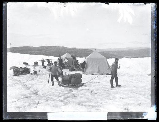 Från Adolf Erik Nordenskiölds expedition till Grönland 1883. Fotograf Otto Kjellström