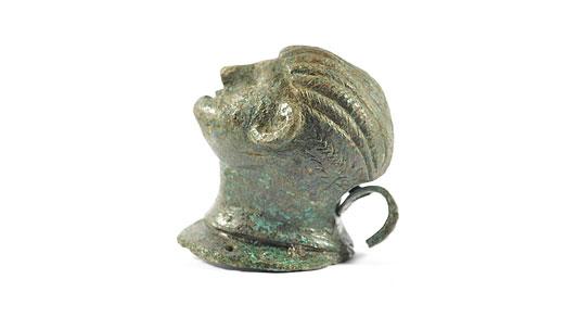 Huvud gjutet i brons, 200-talet e.Kr. Foto: Max Jahrehorn