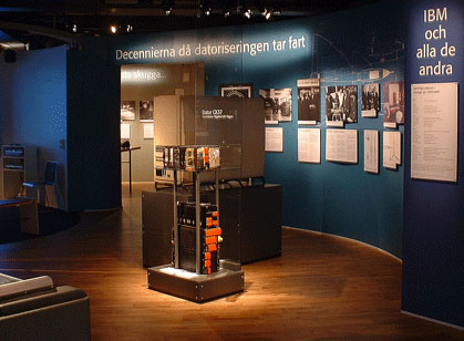 Vy över delen av utställningen som berättar om de svenska pionjärföretagen