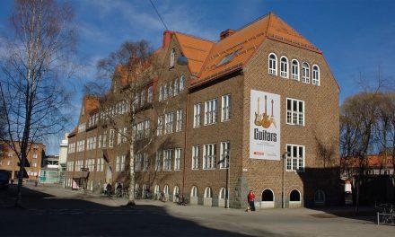 500 elgitarrer blev nytt museum