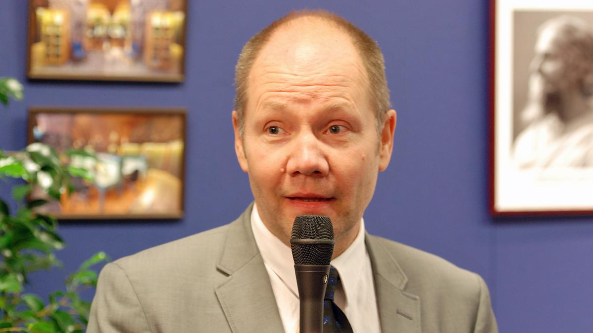 Peter Englund på Bokmässan 2013. Foto: Mattias Blomgren (CC-BY-SA-3.0)