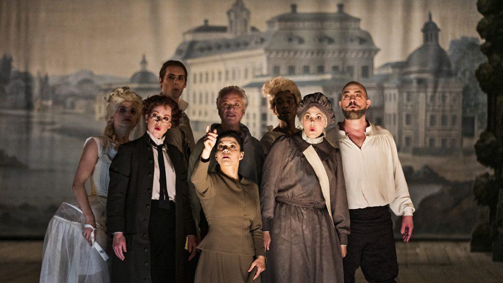 """Ensemblen i operan """"Rokokomaskineriet"""". Foto: Mats Bäcker"""