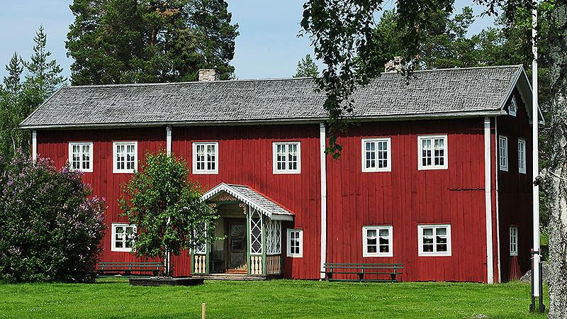 Fågelsjö gammelgård är en av de sju hälsingegårdar som 2012 förtecknades på Unescos världsarvslista. Foto: Jerry MagnuM Porsbjer (CC BY-SA 3.0)