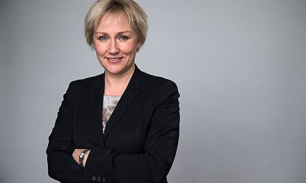 Efter debatten om fröken Friman – minister kritisk mot SVT