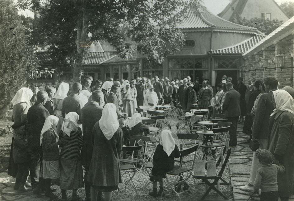 Svenskbybornas ankomst till Visby 1929. Bild ur Waldemar Falcks bildarkiv vid landsarkivet i Visby