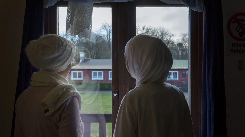 Syriska kvinnor som nyligen anlänt till Yddinge Strands flyktingboende. Foto: Andreas Nilsson/Malmö Museer