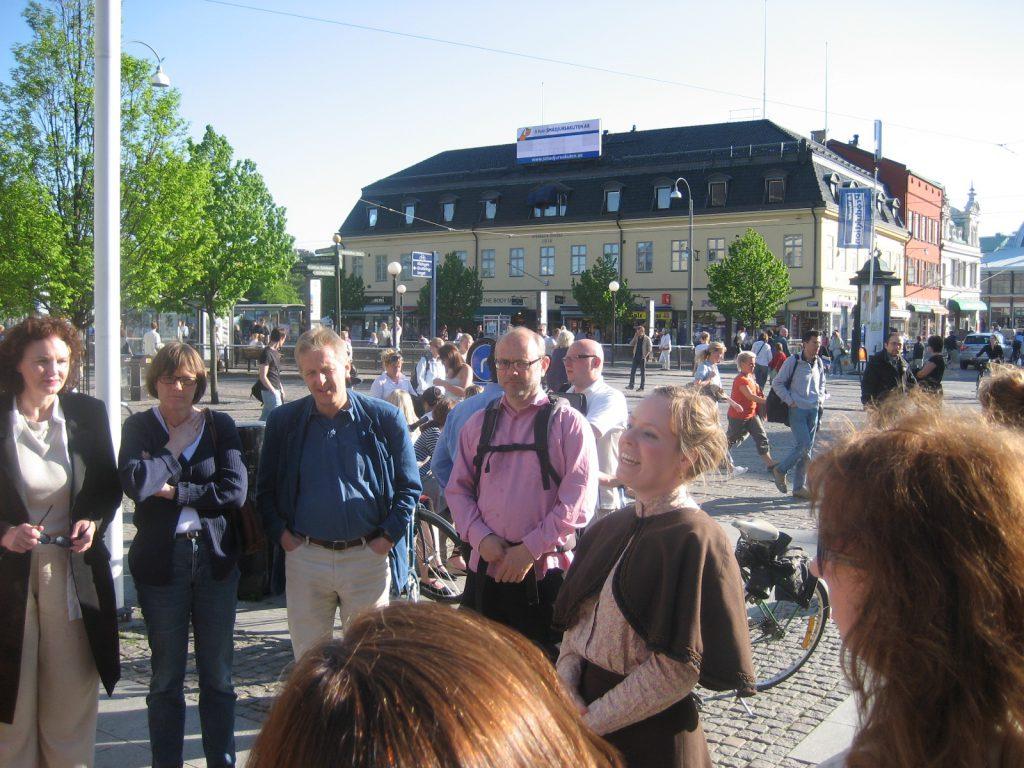 Dramatiserad stadsvandring i Göteborg. Foto: Carina S (Wikimedia Commons)