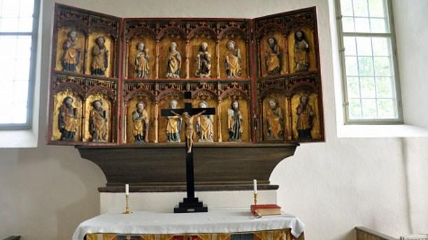 Altarskåp från 1400-talet i Rönö kyrka i Östergötland. Foto: Barbro Thörn