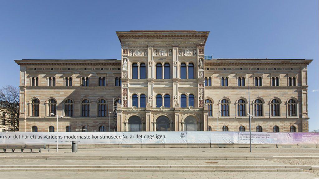 Nationalmuseums fasad vars sten rengjorts bytts ut och lagats. Foto Melker Dahlstrand