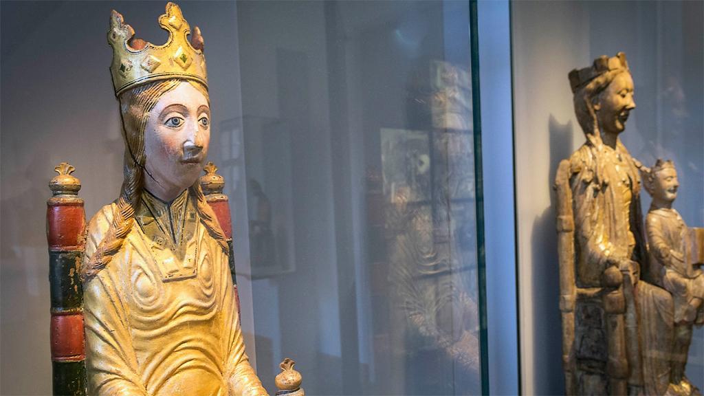 Viklau-madonnan. Foto: Katarina Nimmervoll/Statens historiska museum