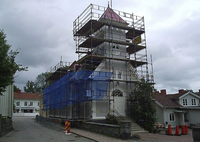 Renovering av Kungälvs kyrka 2006. Foto: Harri Blomberg (Wikimedia Commons CC-BY-SA-3.0)