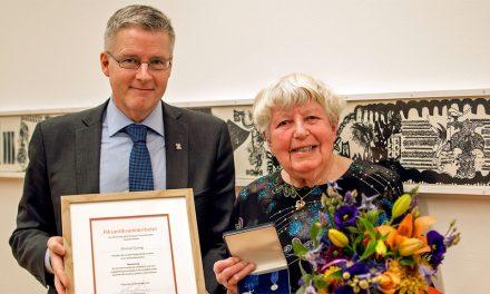 Riksantikvarieämbetets förtjänstmedalj till Gertrud Lyrung från Visby