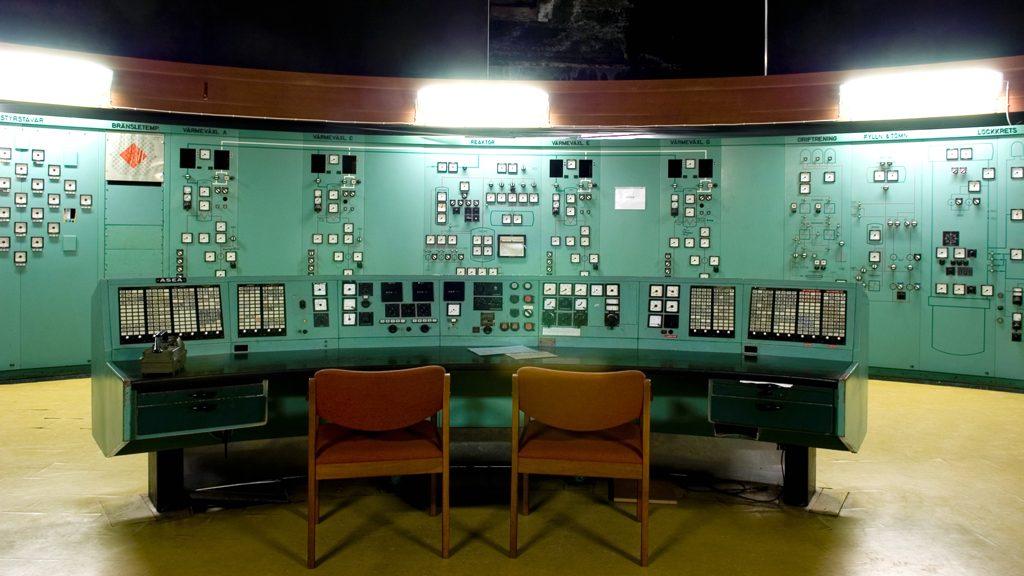 Kontrollbord och reaktorpanelen i Ågestad. Foto: Nisse Cronestrand (CC BY 4.0)
