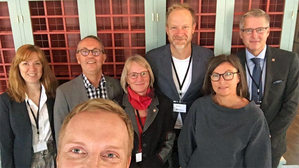 Delar av Sveriges Museers styrelse och ledningen för Riksantikvarieämbetet.
