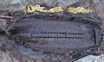 Skeppsvrak från 1600-talet grävs upp och begravs igen