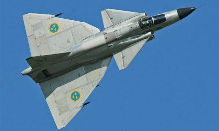 Viggenpiloter hedrade för kalla kriget-insats