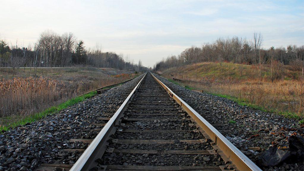 Järnvägsräls, genrebild. Foto: MarcusObald (Wikimedia Commons (CC-BY-SA-3.0-migrate.)