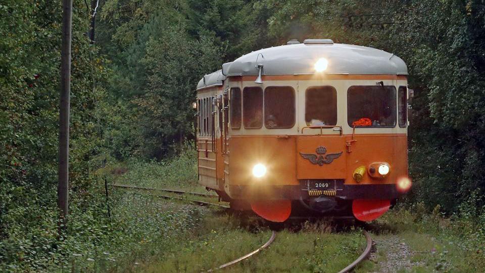Rälsbussen mellan Rydöbruk och Hyltebruk. Foto: Pär Henriksson (CCBY)