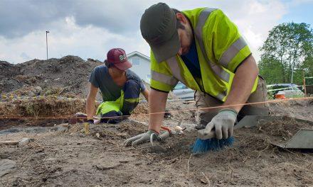 Arkeologer gräver fram dold medeltidskyrka i Dalsland
