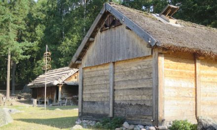 Husbyggande i Östra Mellansverige 750–1100