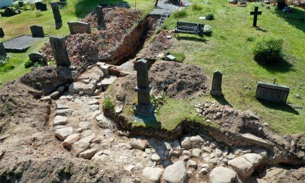 Nya utgrävningar i den magnifika kyrkan i Edsleskog