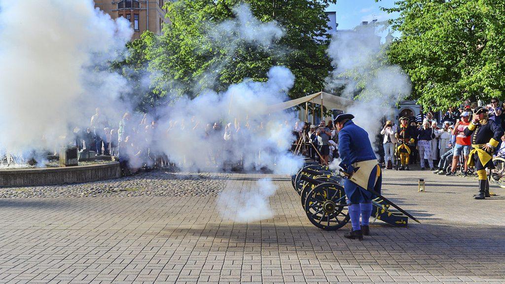 Stenbocks Karoliner på Tyska torget i Norrköping. Foto: Niklas Luks/Nkpg.news