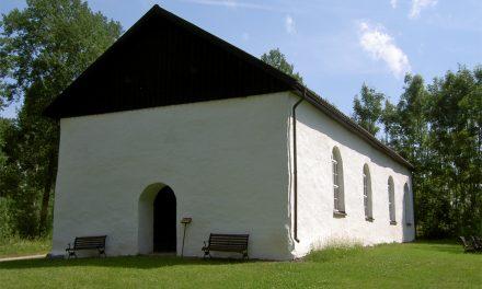 """Medeltida kyrkan säljs: """"Det är sorg i bygden"""""""