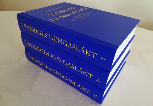 """Bokverket """"Sveriges kungasläkt"""" i tre band."""