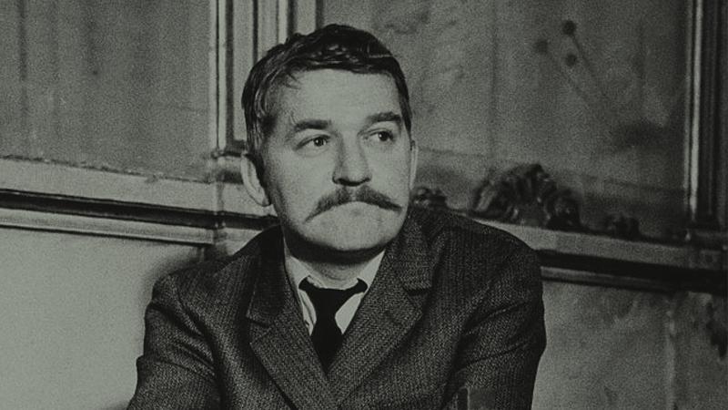 Den första biografin om Hasse Alfredson
