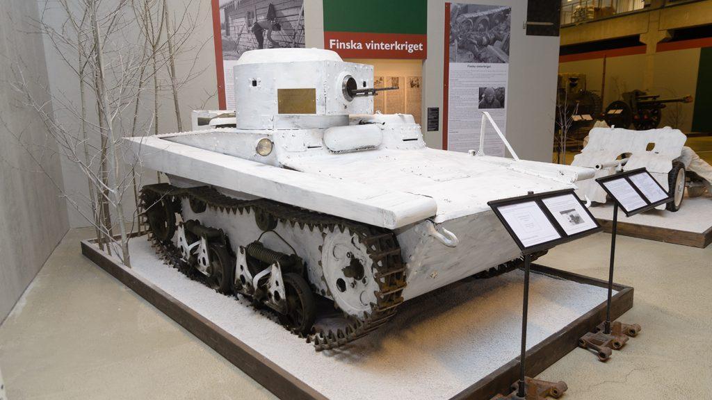 Lätt sovjetisk stridsvagn T-37 som togs som krigsbyte och skänktes till Sverige. Foto: Gunnar Österlund/Arsenalen
