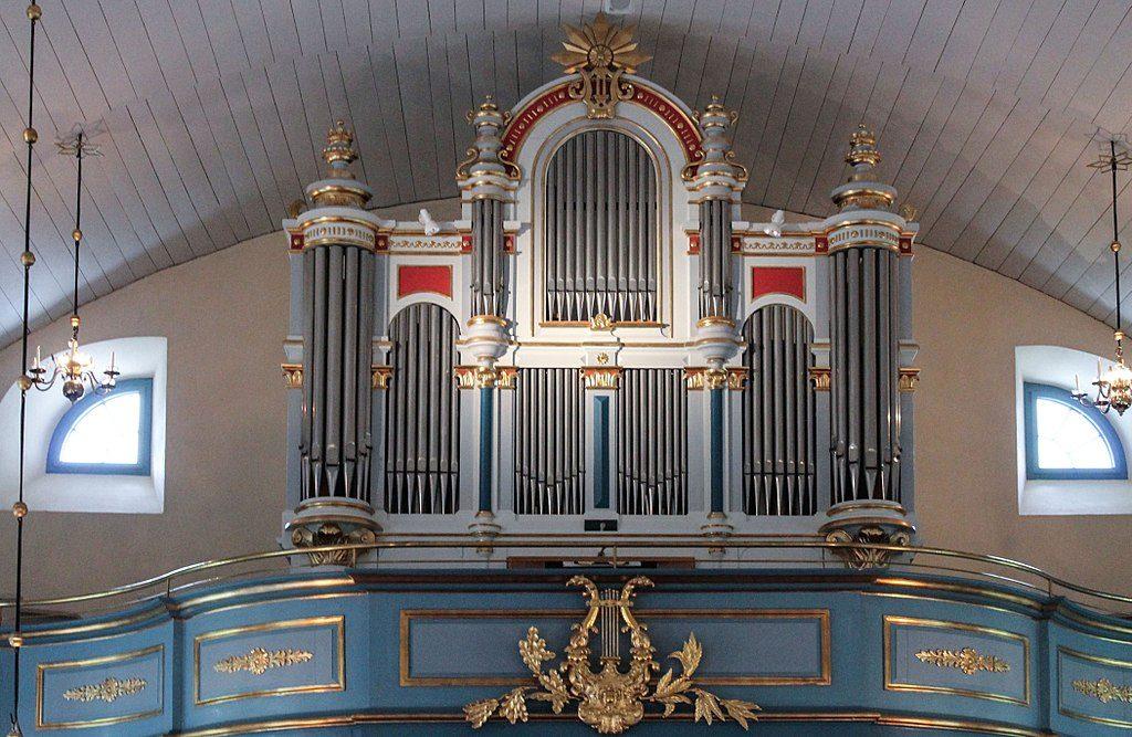 Orgeln i Öja kyrka. Foto: Bernt Fransson ( Wikimedia Commons CC BY-SA 3.0)