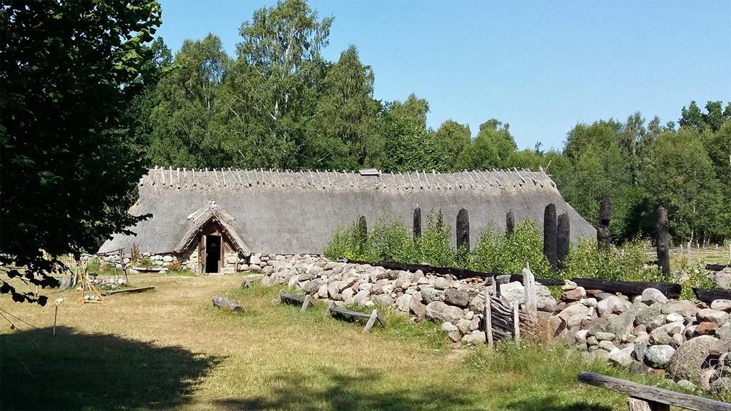Skäftekärr järnåldersgård. Foto: Fornverkstan
