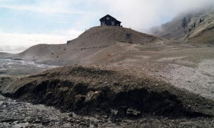 Smältande isar hot mot lämningar efter polarexpedition