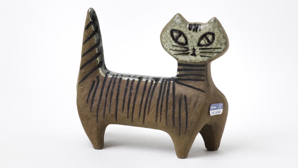 """Lisa Larson: """"Lilla Zoo, Katt"""", formgiven 1955, tillverkad 1956-1978, stengods. Foto: Bertil Wreting/Nationalmuseum"""
