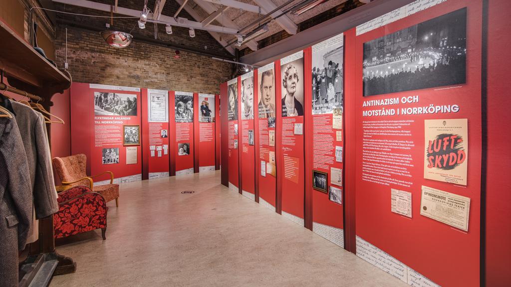 """Utställningen """"Medlöperi och motstånd"""" på Norrköpings stadsmuseum. Foto: Anders Ristenstrand"""