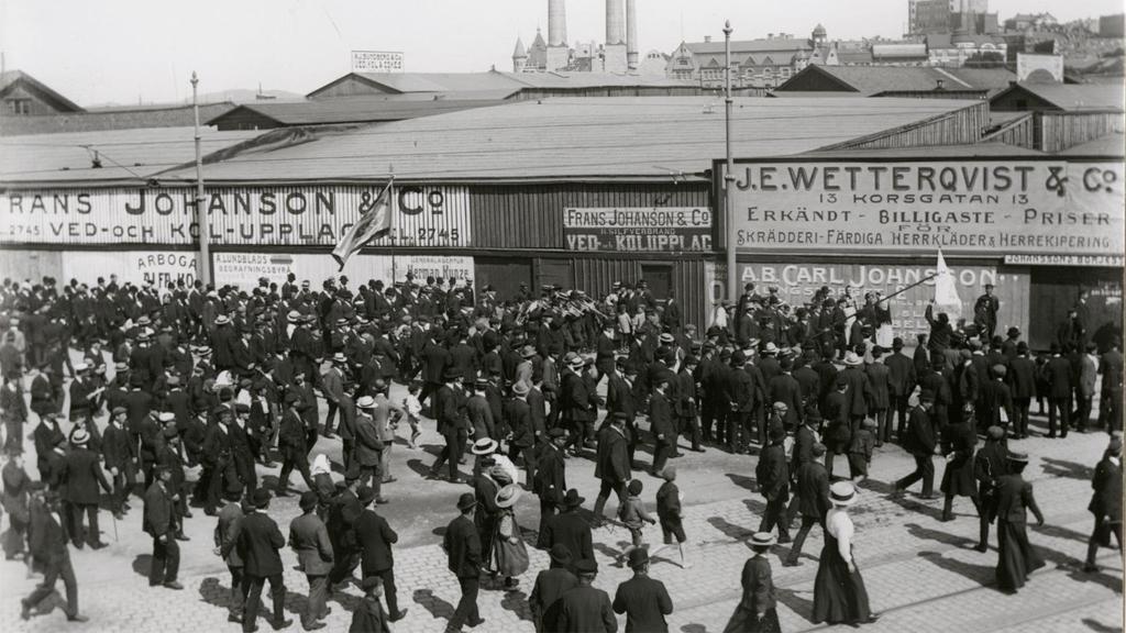 Demonstrationståg i Göteborg för storstrejken 1909. Ur Göteborgs stadsmuseums arkiv